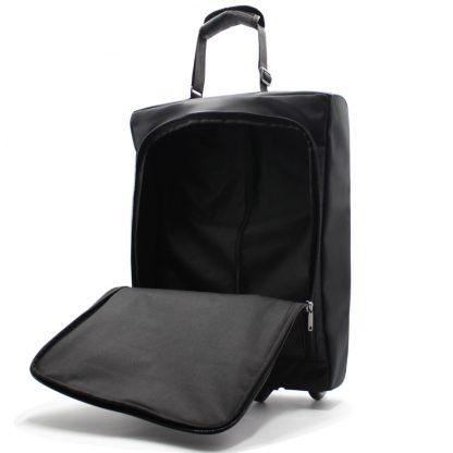 небольшая сумка на колесах внутри